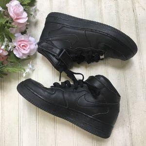 Nike Air Force 1 Mid Black Sneakers